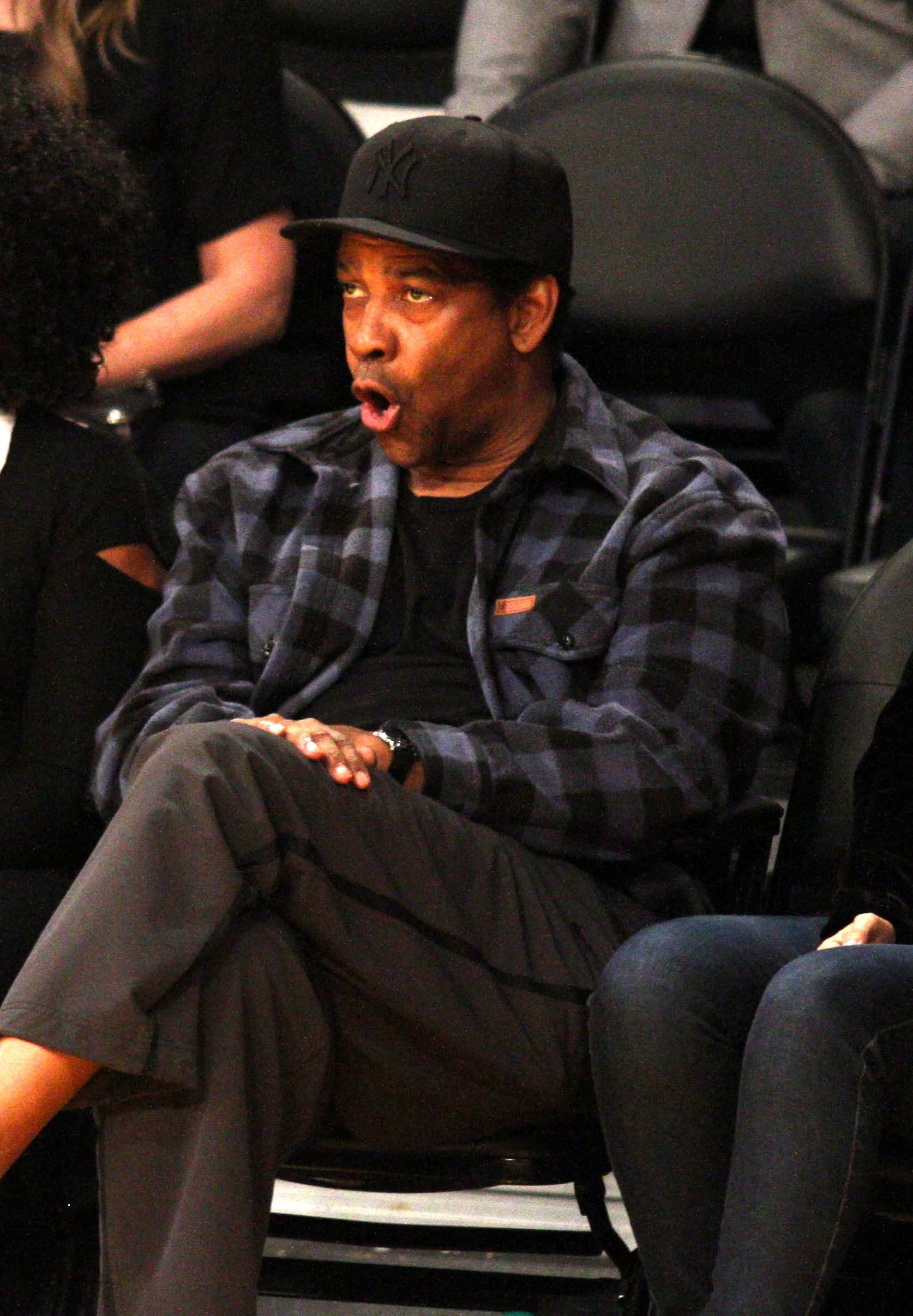 Denzel  Washington attends a Lakers game in Los Angeles on Nov. 7, 2018.