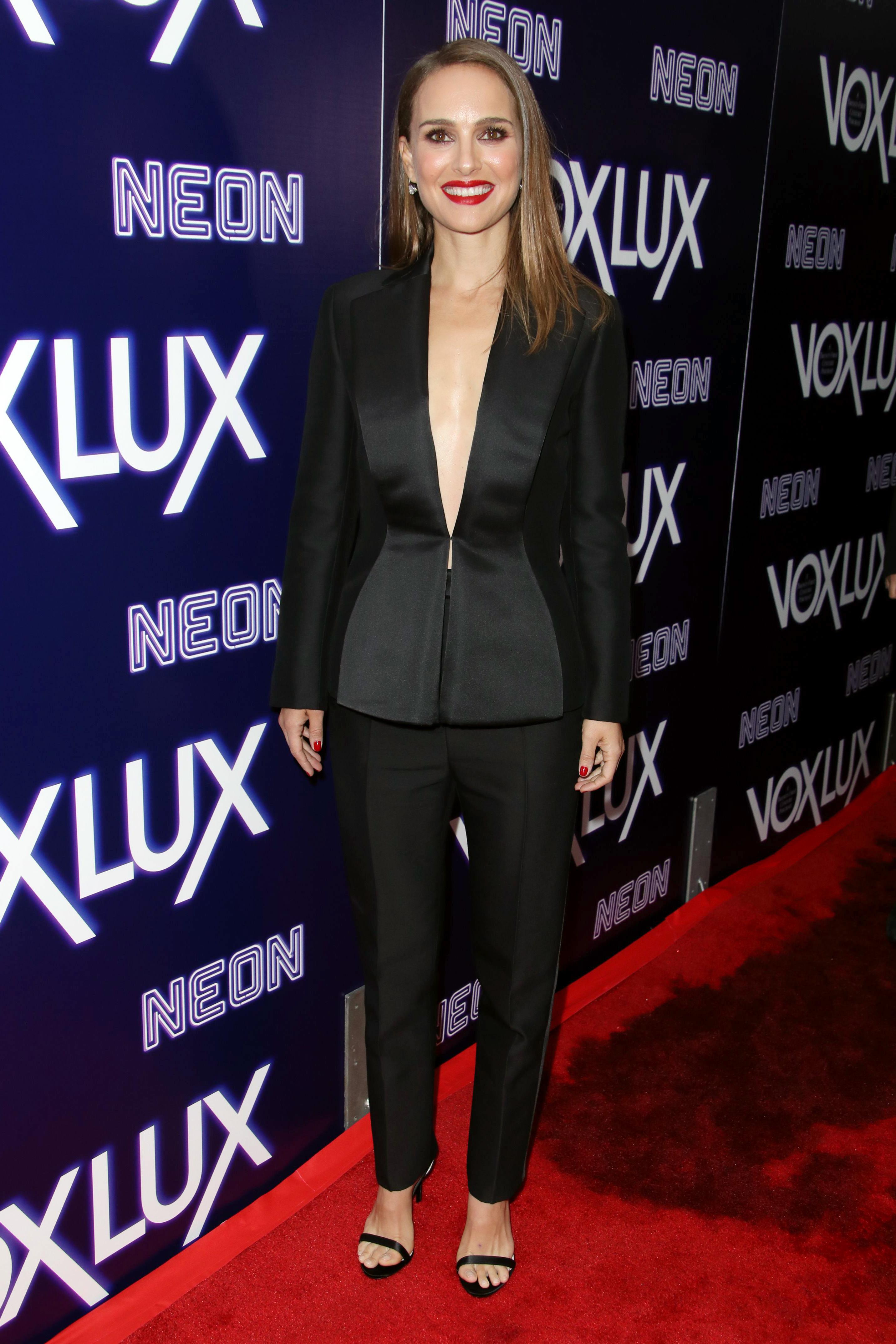 Natalie Portman attends the 'Vox Lux' film premiere in Los Angeles on Dec. 5, 2018.