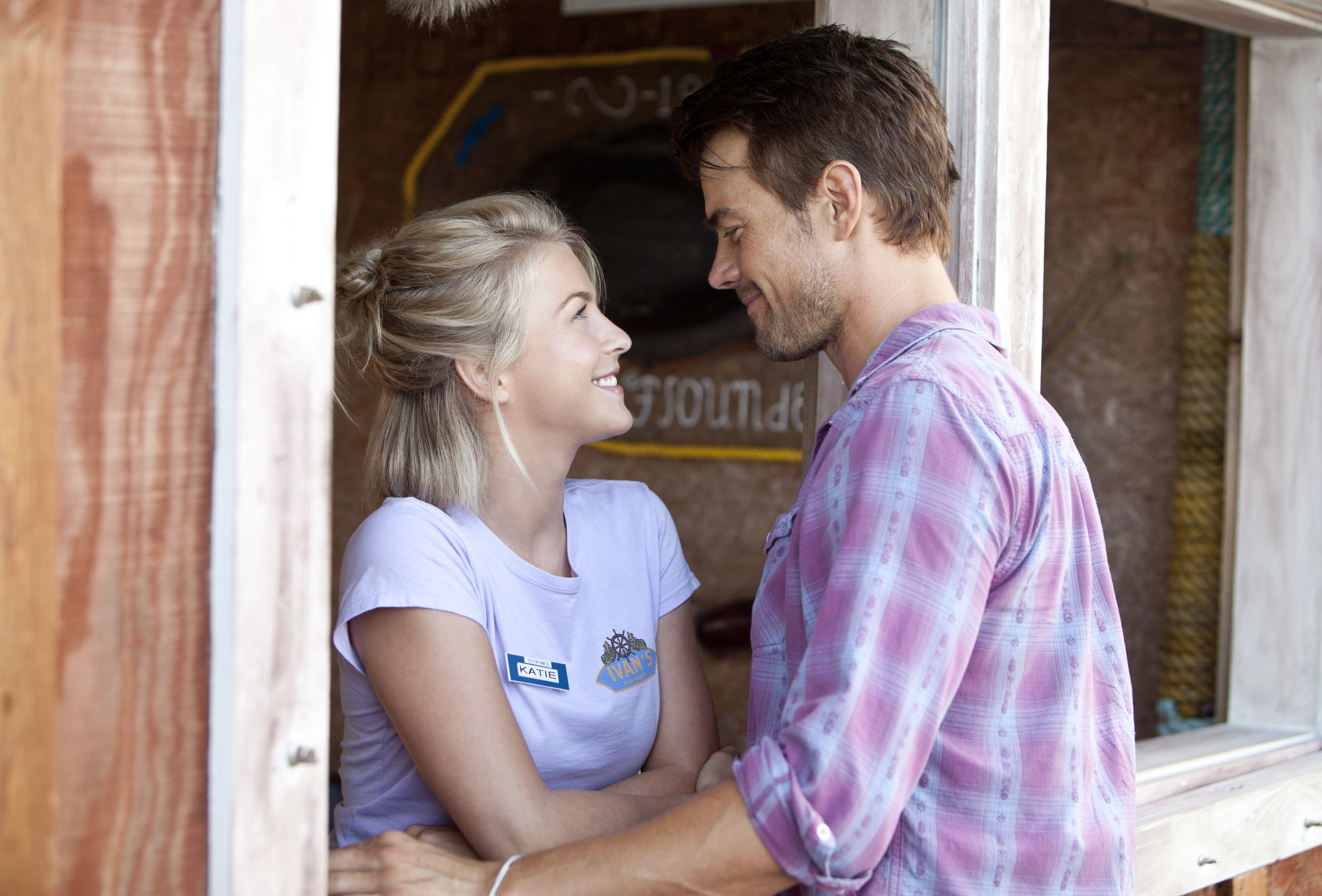 "Julianne Hough and Josh Duhamel star in 2013's ""Safe Haven."""