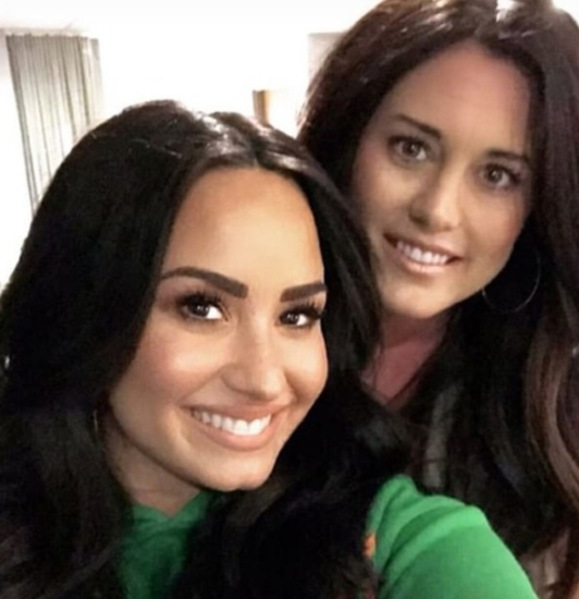 Demi Lovato shares a picture of herself with her friend Jenna Schubart on Instagram Stories on Jan. 12, 2019.