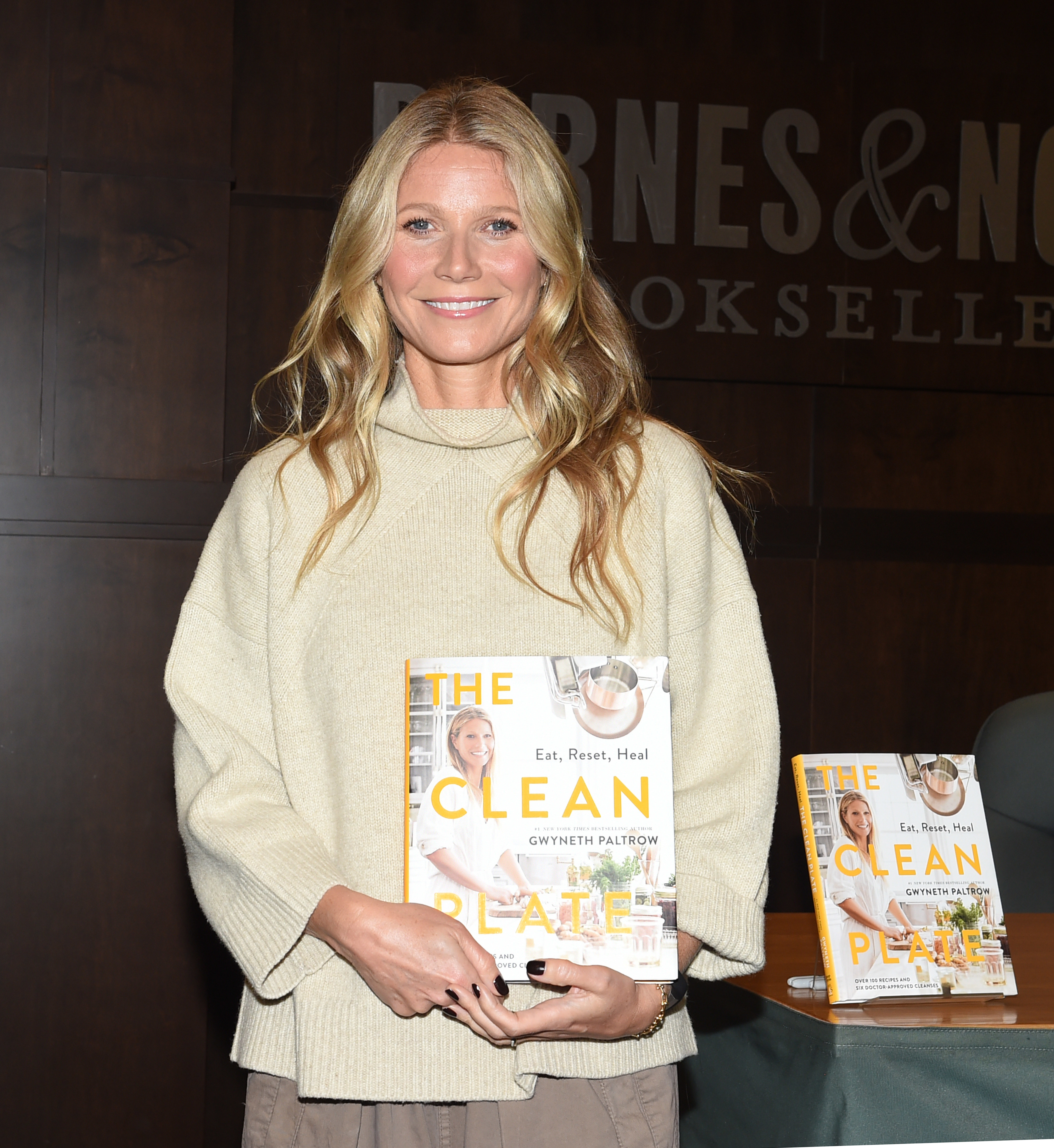 """Gwyneth Paltrow appears at her """"The Clean Plate"""" book signing in Los Angeles on Jan. 14, 2019."""
