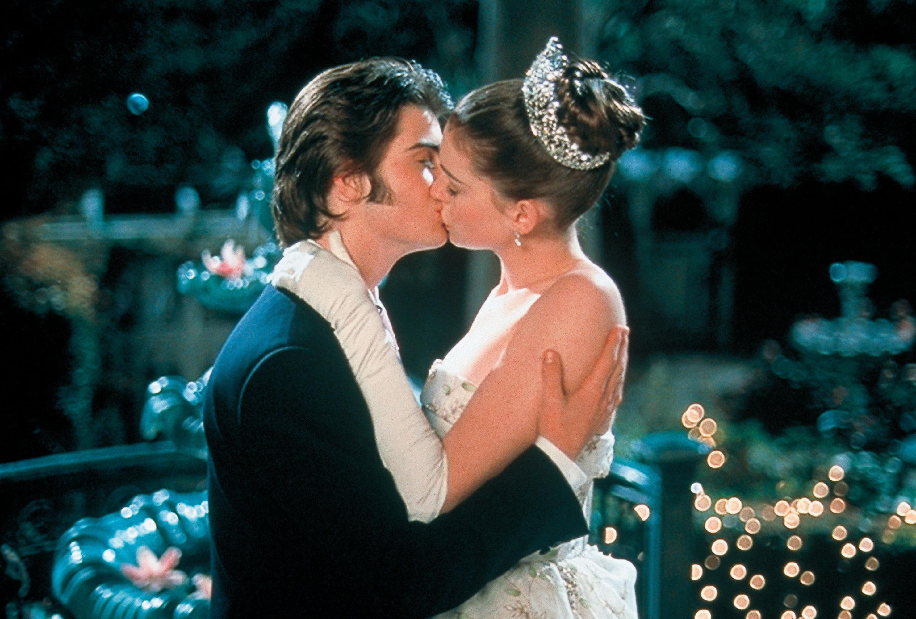 "Robert Schwartzman (as Michael Moscovitz) and Anne Hathaway (as Mia Thermopolis/Princess Mia) star in 2001's ""The Princess Diaries."""