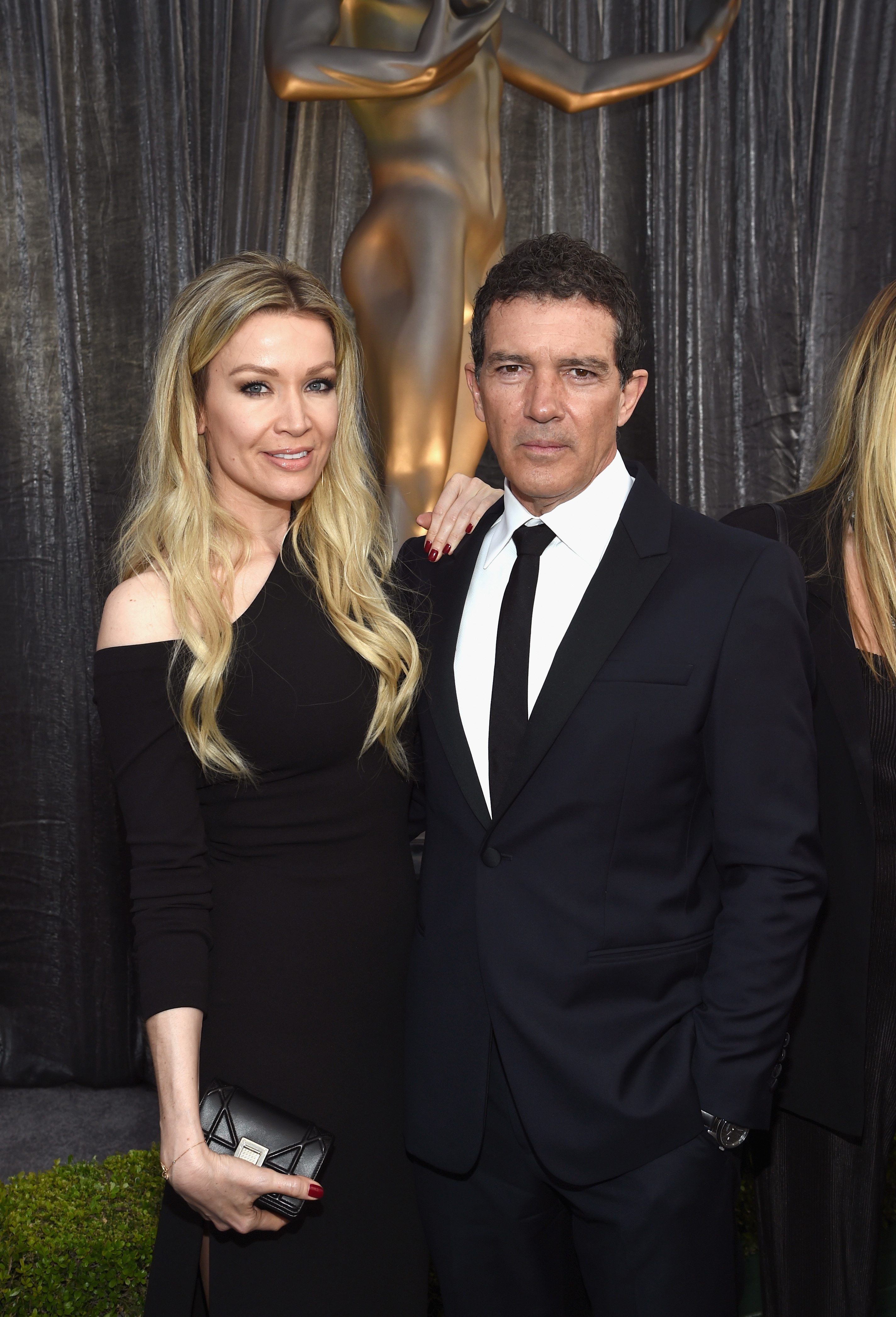 Nicole Kimpel and Antonio Banderas attend the 25th Annual Screen Actors Guild Awards in Los Angeles on Jan. 27, 2019.