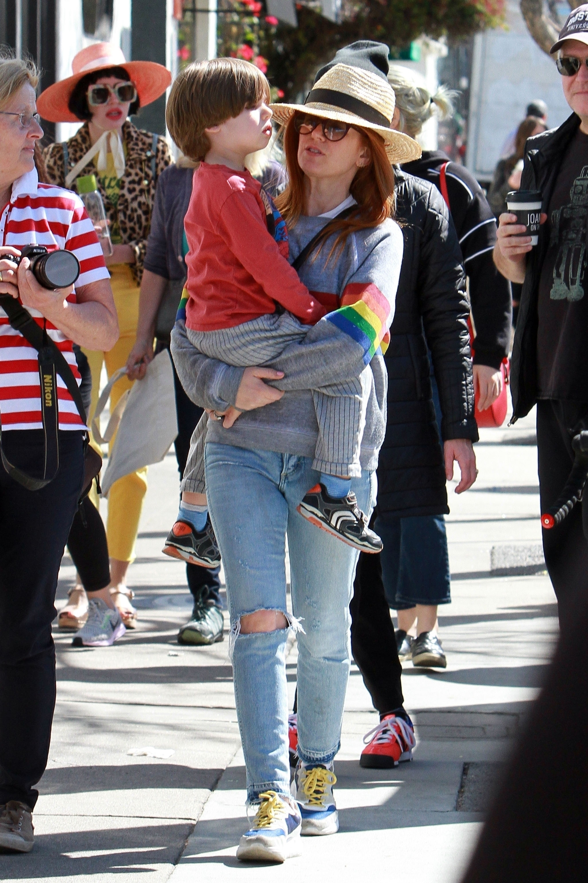 Isla Fisher Montgomery Cohen - Celebs and their cute kids ...