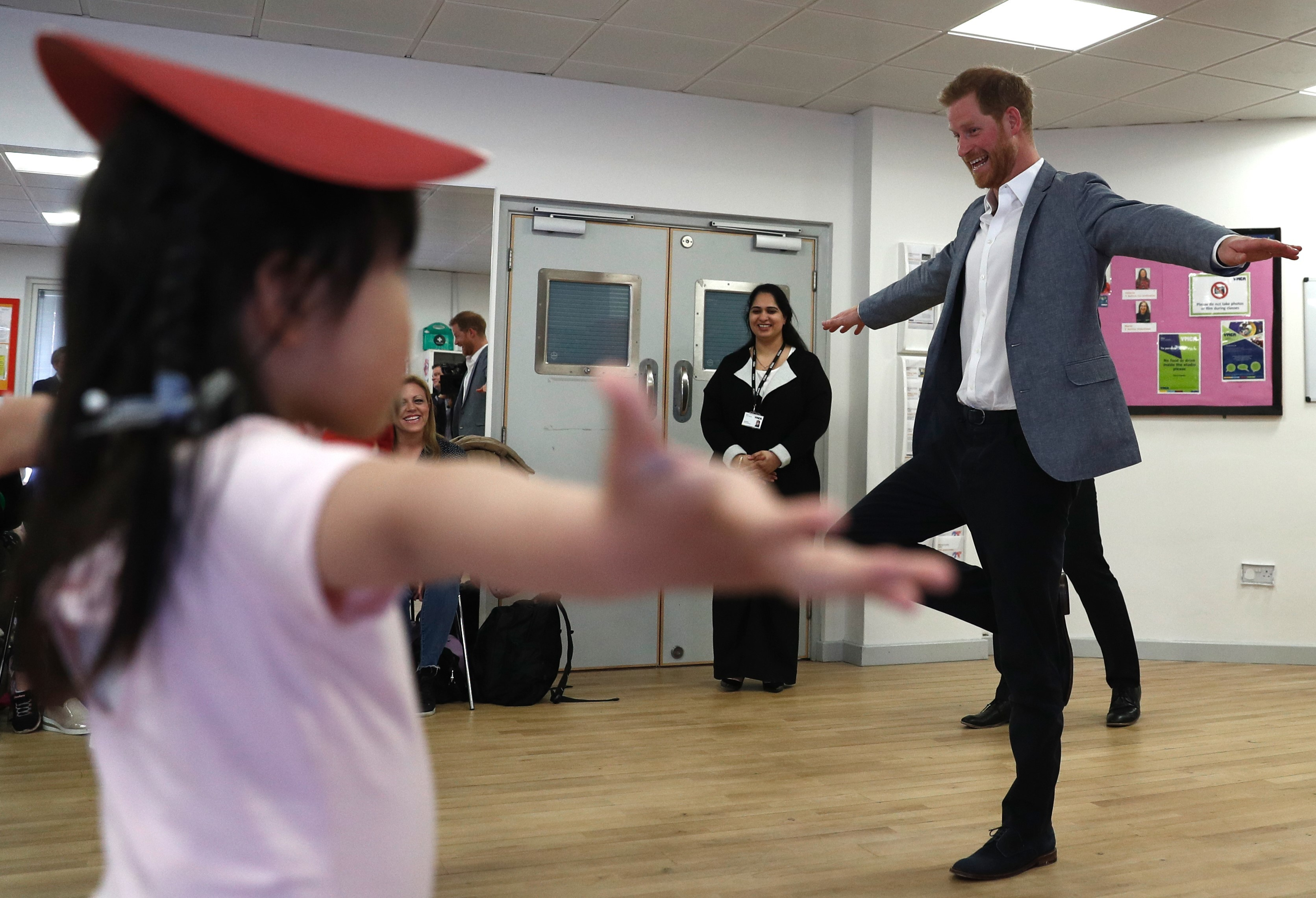 Prince Harry joins children taking part in ballet class at the YMCA in South Ealing, London on April 3, 2019.