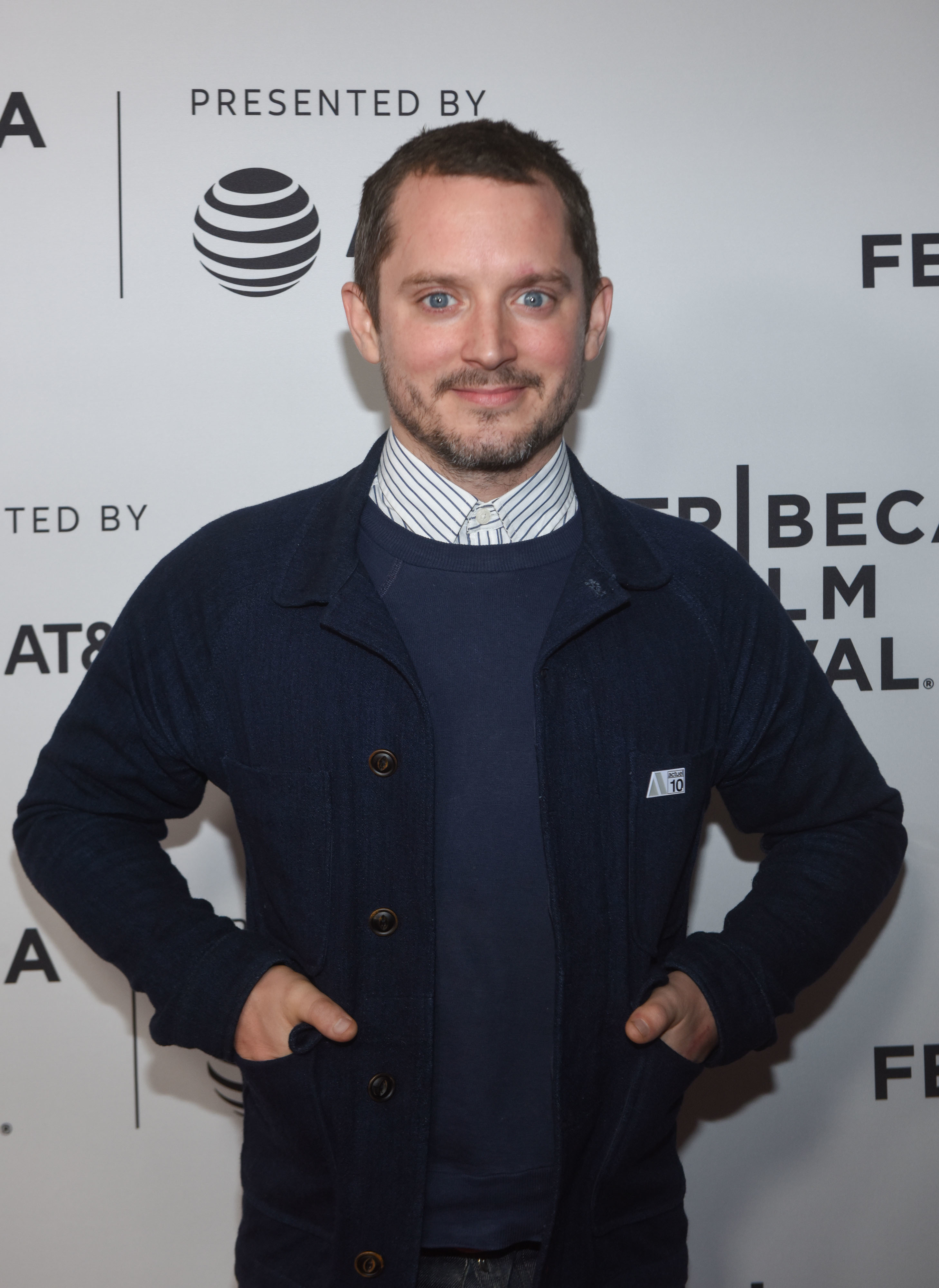 Elijah Wood - Kate Beckinsale is unrecognizable in new ...