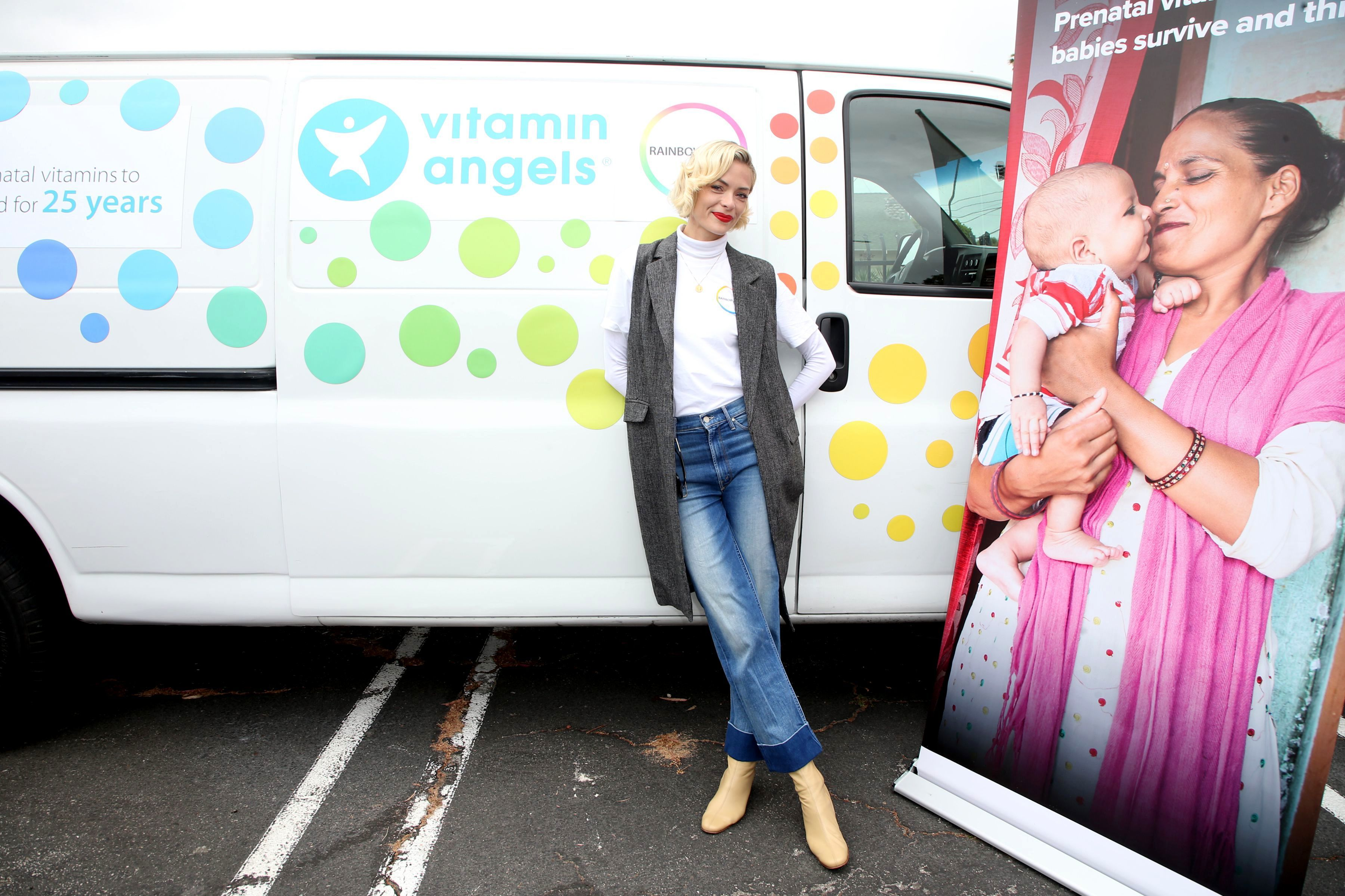 Jaime King teams up with Rainbow Light and Vitamin Angels to Help Women In Need in Los Angeles on April 30, 2019.