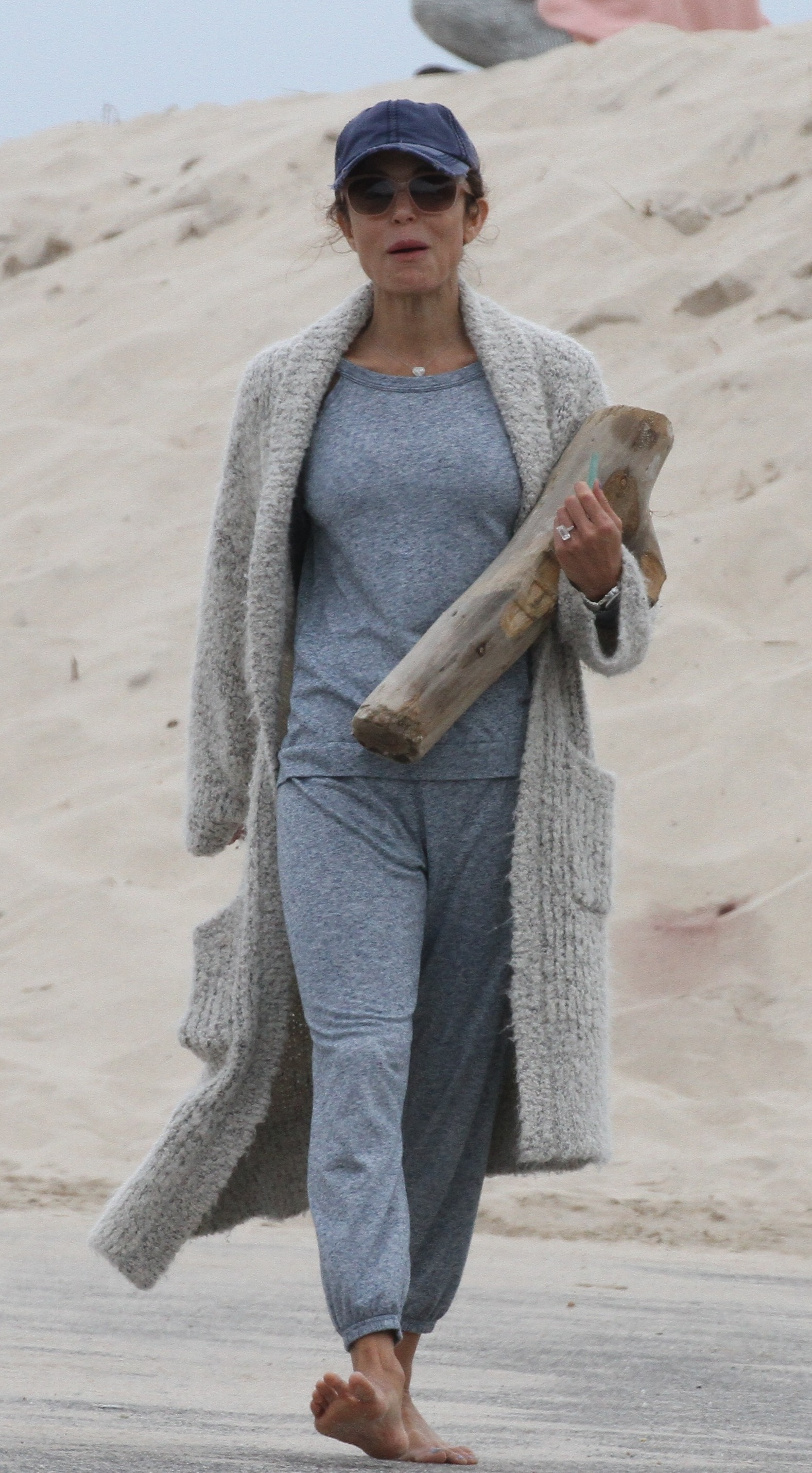 Bethenny Frankel was spotted taking a nice walk along the beach in The Hamptons, New York on June 22, 2019.