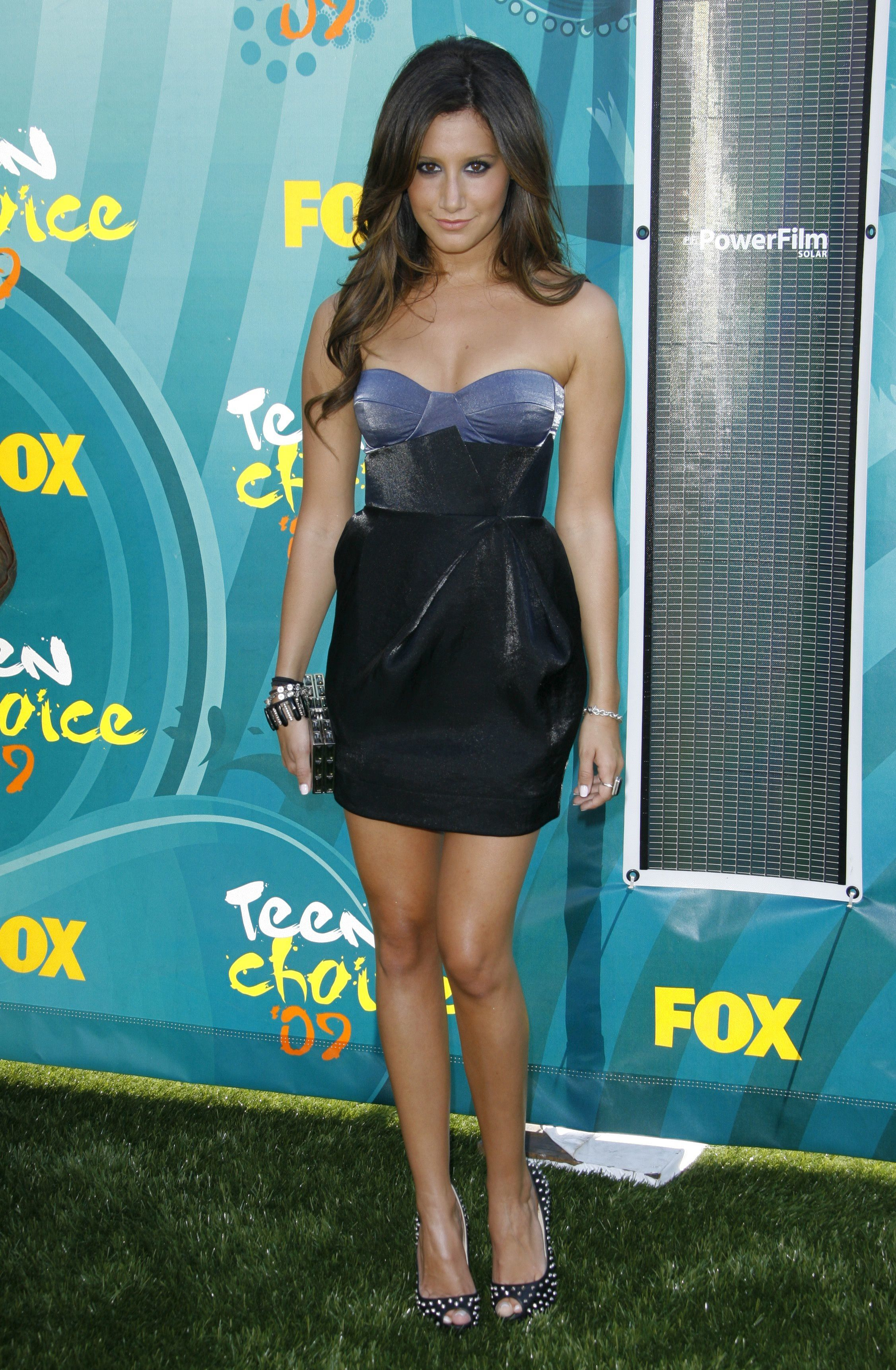 Ashley Tisdale at the 2009 Teen Choice Awards.