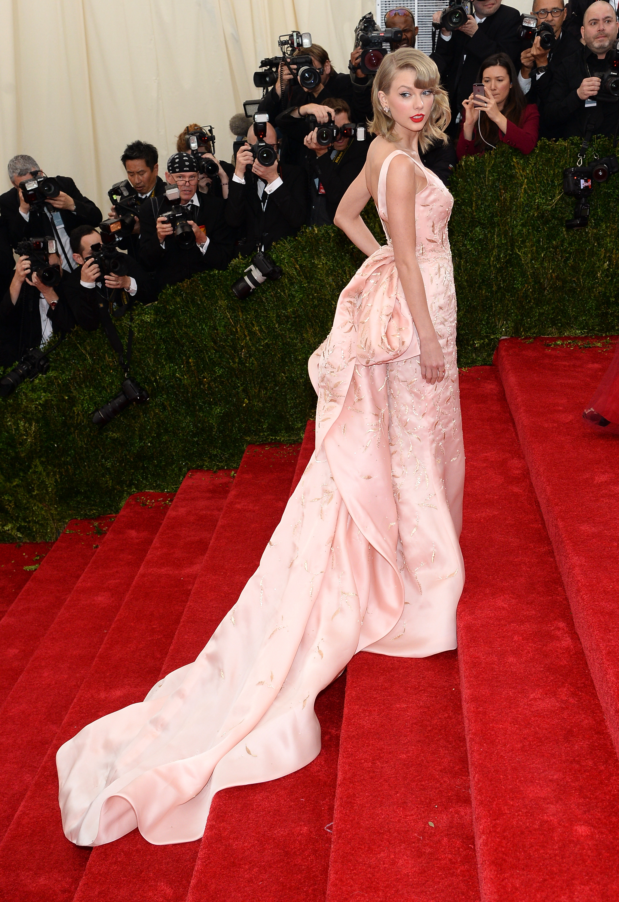 Taylor Swift's best red carpet fashion moments