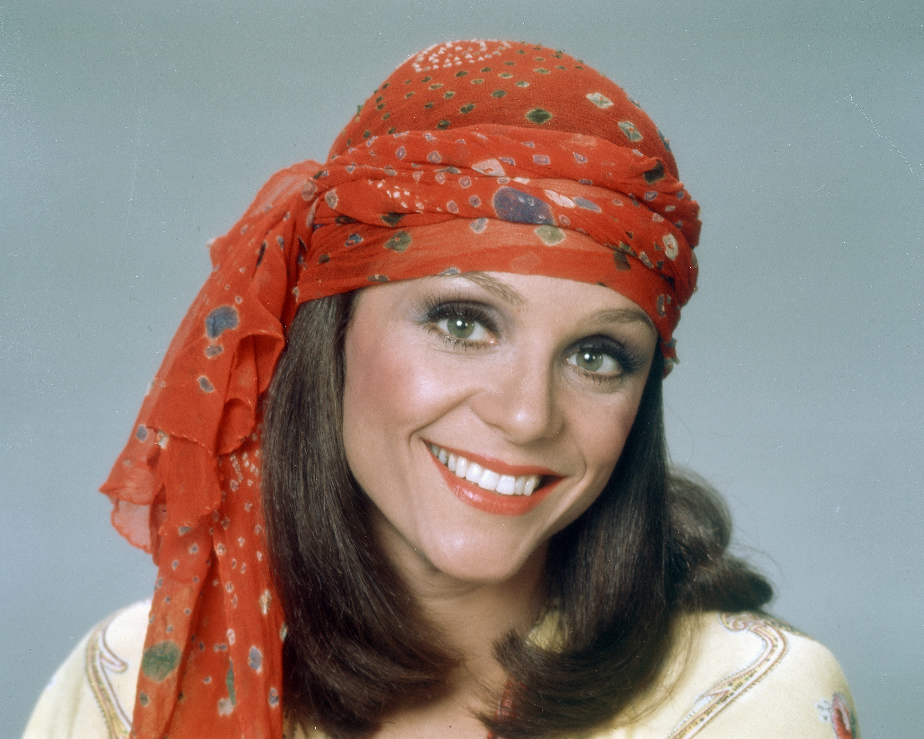 Celebs react to Valerie Harper's death at age 80 | Gallery