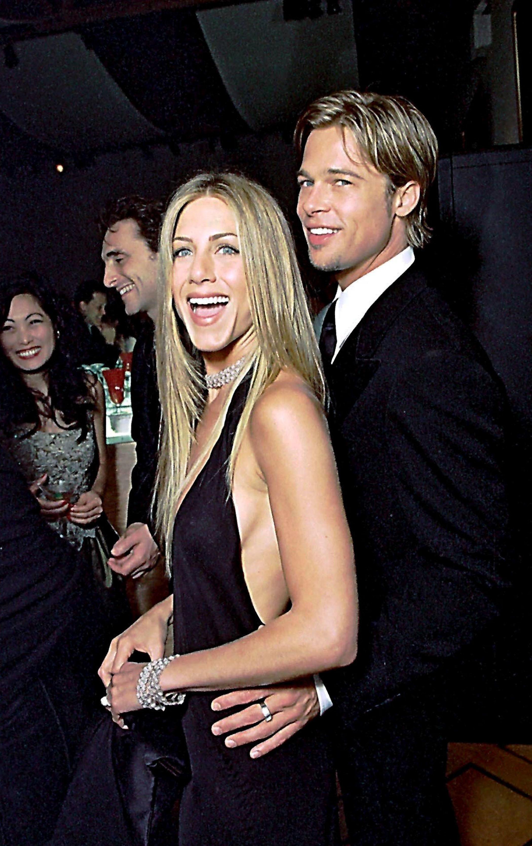 Jennifer Aniston and Brad Pitt hit the Vanity Fair Oscar party on March 26, 2000.