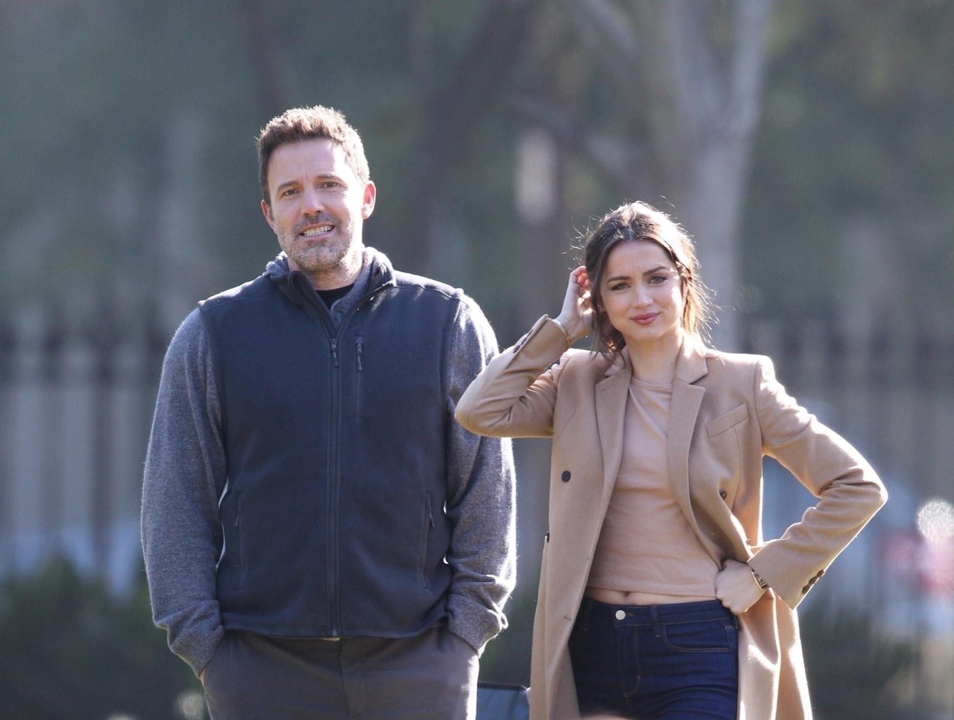 Chip Et Joanna Separation ben affleck dating ana de armas - celeb love news for march